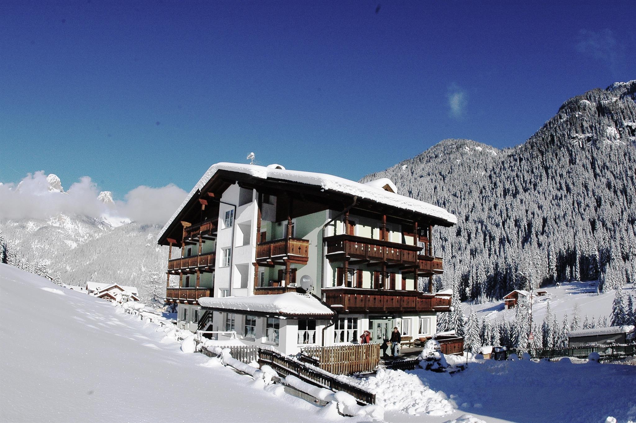 Hotel Sassleng - Alba di Canazei - Val di Fassa - Trentino ...
