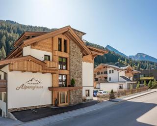 Hotel_Alpengruss_Lanersbach_390_Tux_Haus_aussen_3
