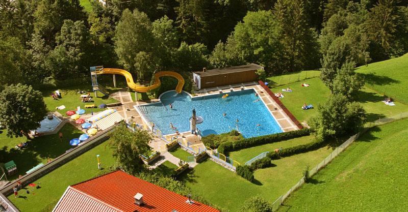 Schwimmbad Finkenberg 3