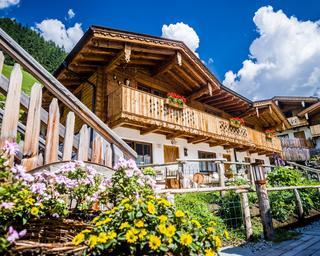 Alpendorf Anno Dazumal, Urlaub im Almhüttendorf