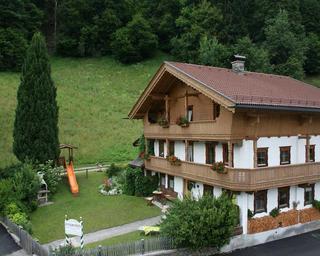 Bauernhaus-Sommer